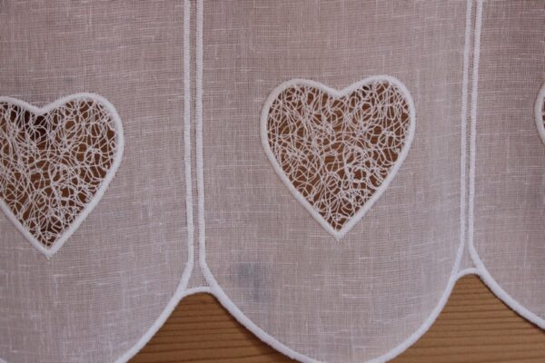 Voilage coeur brodé sur polyester rustique blanc-8088