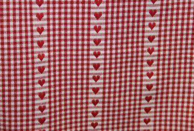 tissu de montagne rouge et blanc