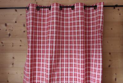 rideau cervin rouge et blanc